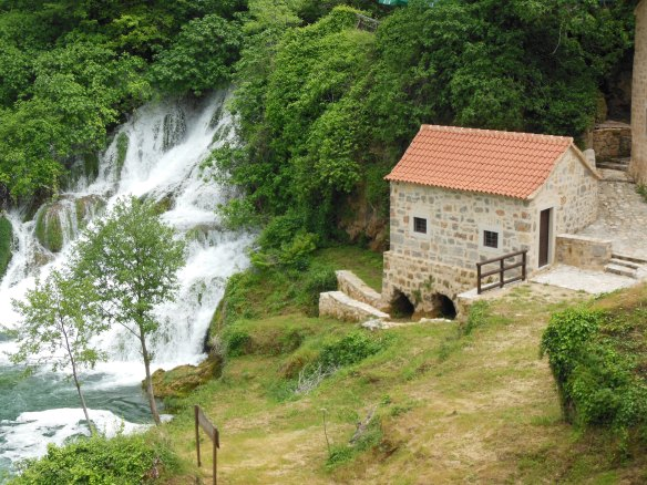 Croatia 600